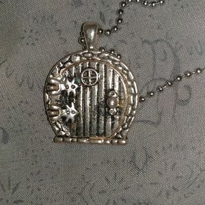 """Adorable """"hovel"""" necklace ;)"""